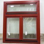 okno zespolone z aluminiowym okapnikiem w kolorze czerwonym
