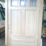 drzwi zewnętrzne z judaszem i szybami