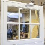 uchylne okno z nożycami Geze